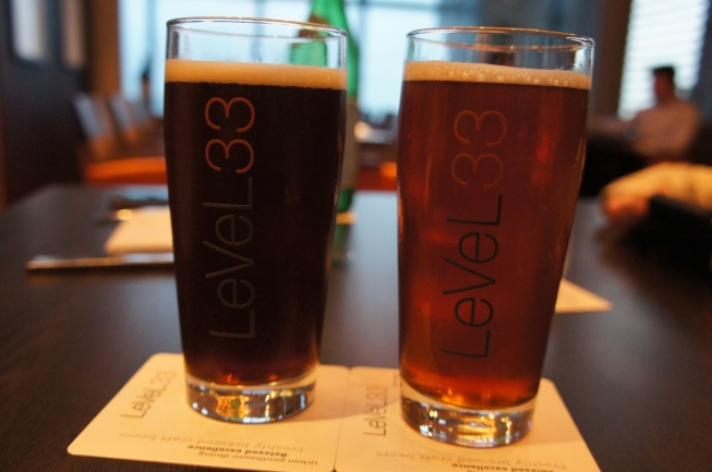 Pale Ale (R) and Dark Beer