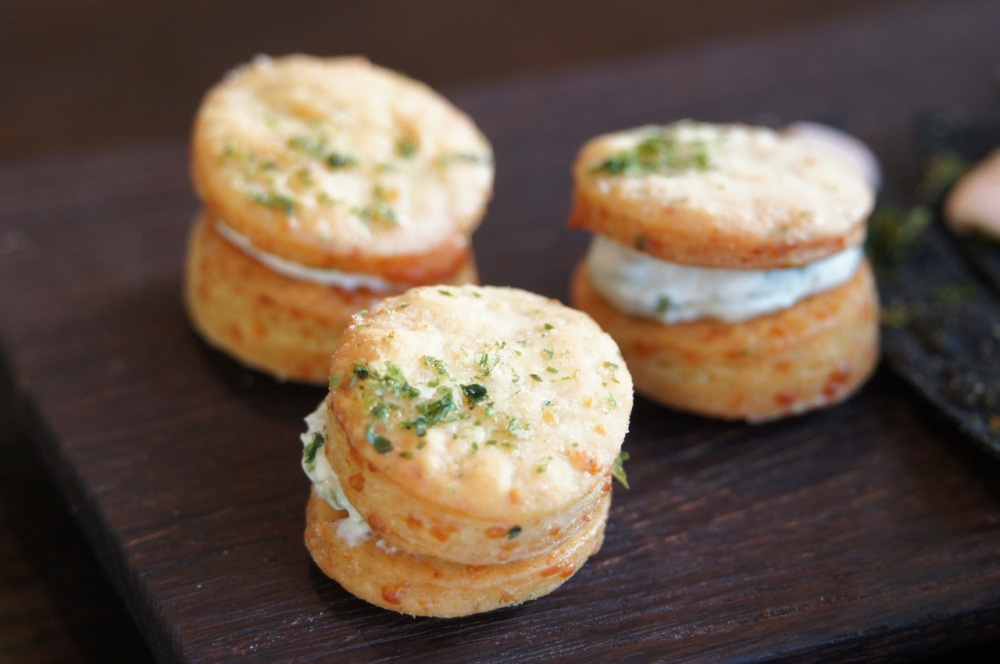 Crackers with cream cheese