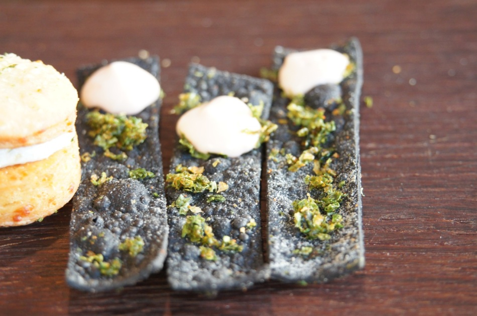 Nori crackers with sea salt and cream