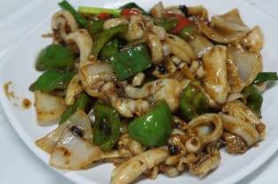 Stir-fried squid in Black Bean Sauce 豉汁炒吊片