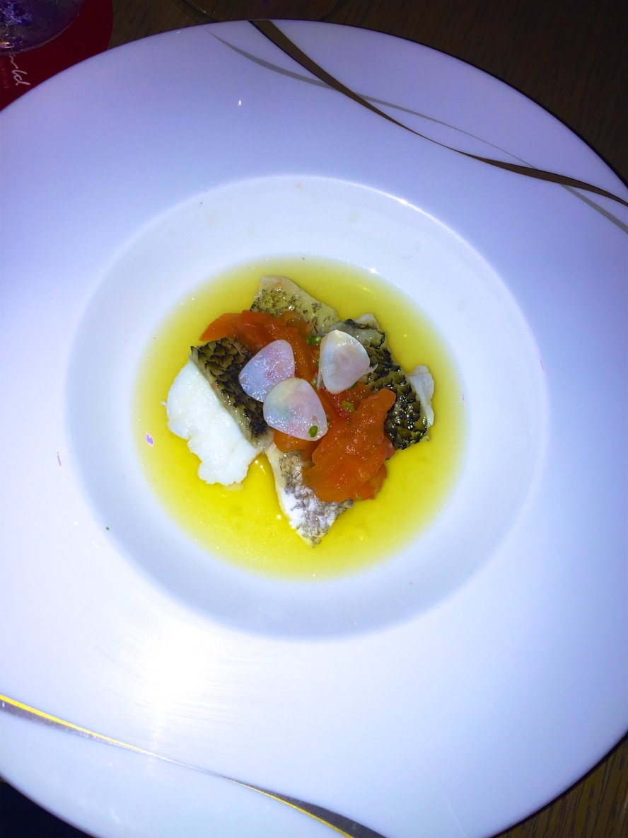 Marble Goby Fillet steamed with shredded tomato in Thai style