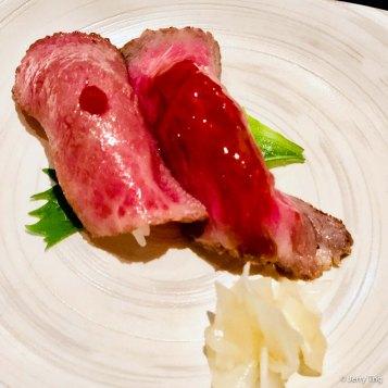 牛寿司二貫 Beef Sushi