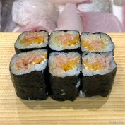 Fatty tuna with uni maki