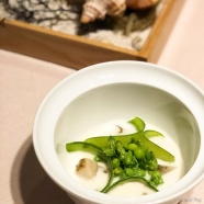 """Clam chowder"" whelk twist clam, pea and night jasmine with chef's twist"