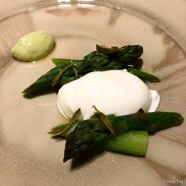 Green asparagus with burrata and Longjing tea leaves