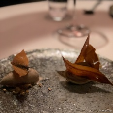 """Les Feuilles Mortes"" fresh chestnuts Mont-Blanc with Pu'er tea ice cream"