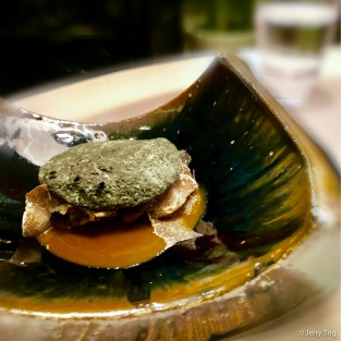 """Civet"" braised abalone covered with ""abalone shell"""