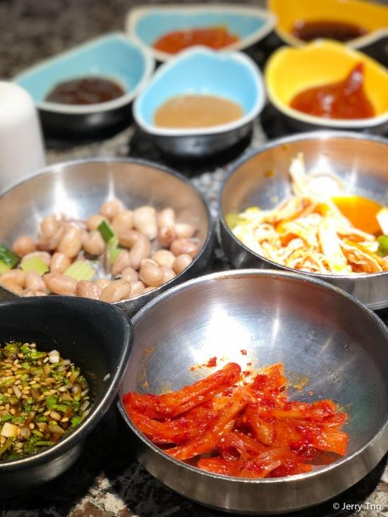 Banchan 반찬; 飯饌