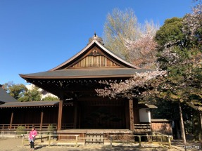 Nogakudo (Noh Theater). Originally in Shiba Park, it was presented to the shrine and moved here in 1903.