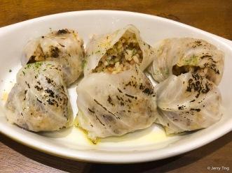 Rollitos de Repollo con Arroz • Rice, bacon & nuts, rolled in cabbage