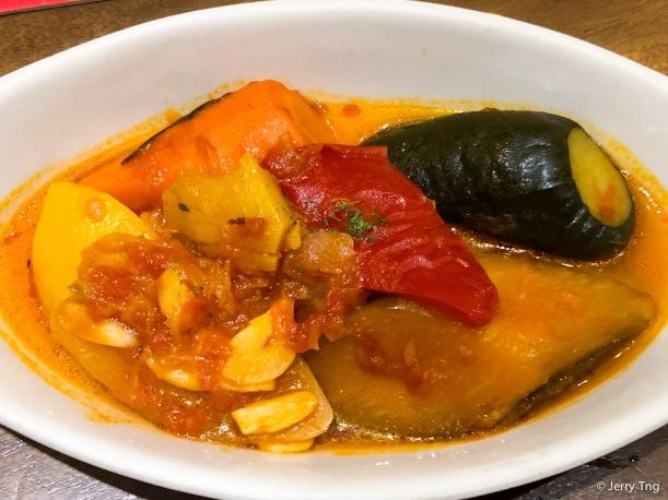 Pisto Castellano • Mixed vegetable stew