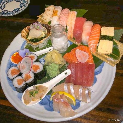 Chef's selection plate, 8 pcs nigiri, 6 pcs maki, 18 pcs sashimi