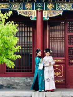 进了寿康门,就是寿康宫正殿,简朴低调的外观是宫斗成功人士必备