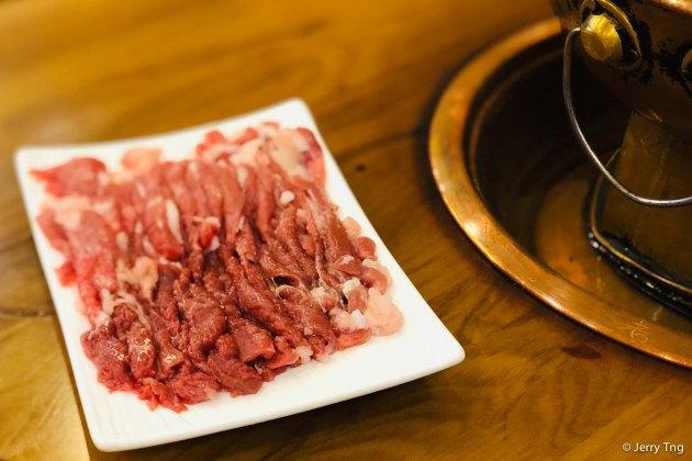 Hand cut mutton strips 手切羊肉