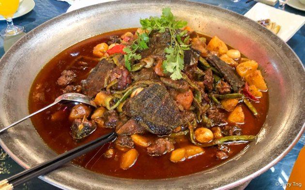 土豆烧甲鱼 Turtle and potato stew
