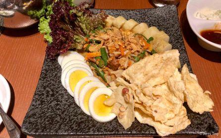 Gado-gado (Indonesian tofu salad)
