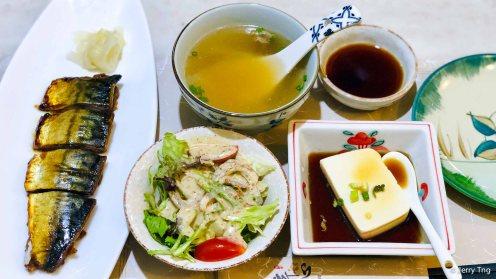 salad, soup, grilled saba, cold tofu
