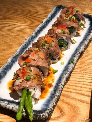 Spicy aburi tochigi wagyu roll