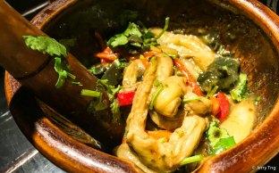 烧辣椒皮蛋擂茄子 Smashed grilled chilli century egg and eggplant