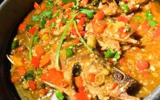 干锅昂刺鱼 Baby catfish in spicy casserole