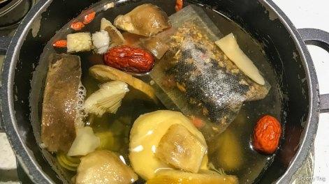 野菌汤锅 mushroom hotpot